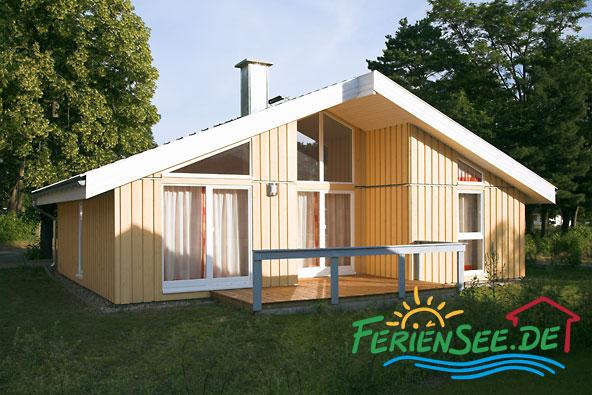 Freistehens ferienhaus mit garten und terrasse feriensee for Ferien am see